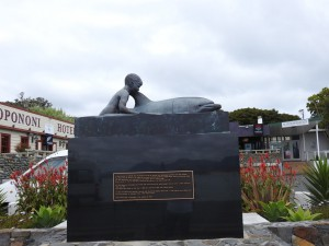 Flipper Statue