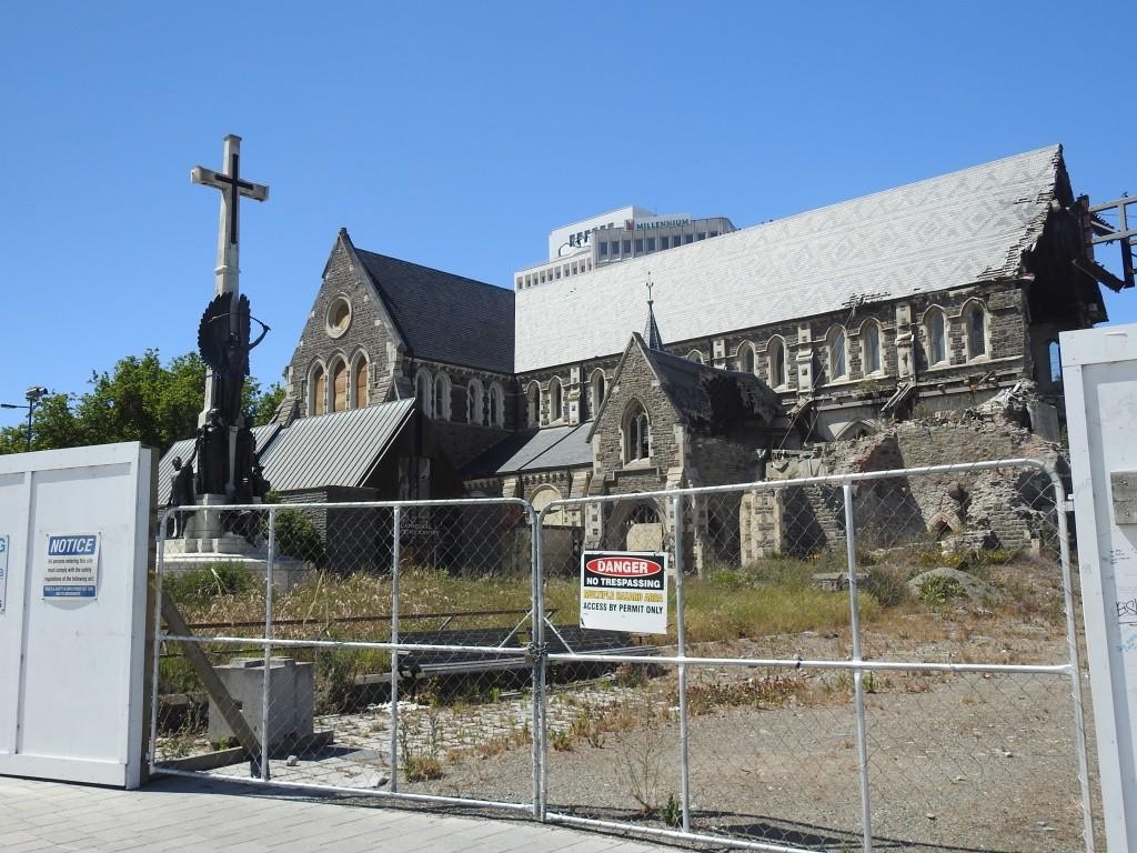 CC-beschädigte Kathedrale